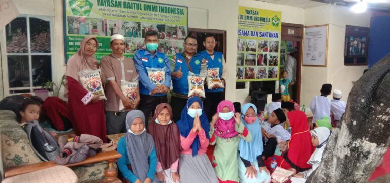 Bantuan Beras dari Donatur yang Dermawan